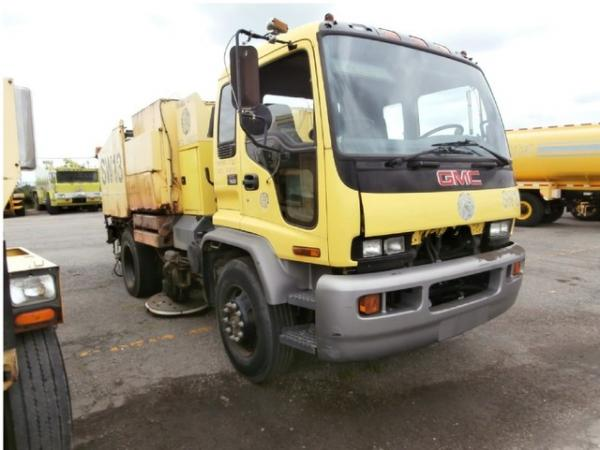 2002 GMC T7500 Sweeper