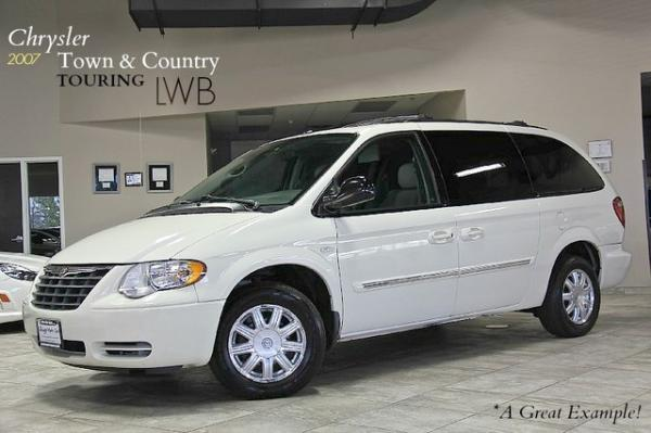 2007 Chrysler Town & Country Touring LWB Signa