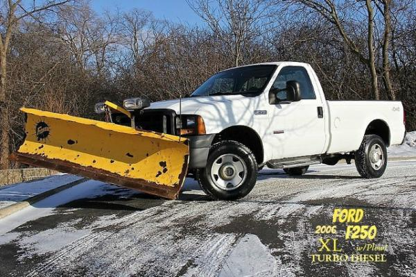 2006 Ford Super Duty F-250 XL Plow Truck